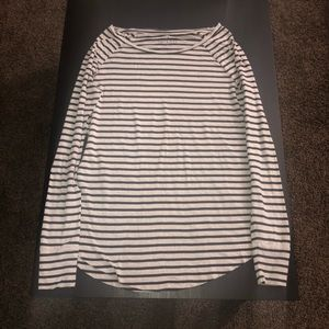American Eagle Soft & Sexy Jegging T-Shirt